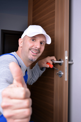 expert locksmith in Hilton